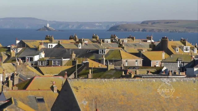 St Ives Yellow Roofs